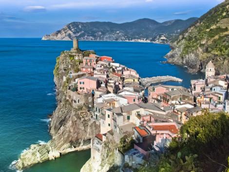 Nádherné městečko Vernazza můžete rovněž navštívit v Toskánsku.