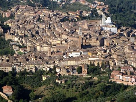 Letecký pohled na Sienu